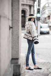 Janicee Chen - Maison Michel Hat, Yves Salomon Coat, Gucci Bag, Frame Denim, Gucci Loafer - This Year Let's Gucci First !