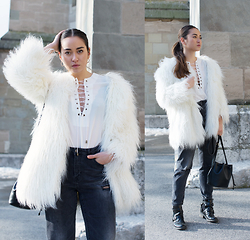 Romina Ch - H&M Faux Fur, Romwe Top, H&M Jeans, Gap Bucket Bag - Genuinely and Simply Catchy
