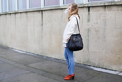 Ruth Van Soom - &Other Stories Knit, Delvaux Bag, &Other Stories Jeans, Isabel Marant Booties - The seaside