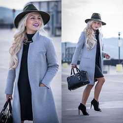 Eleonora Petrella - Chic Wish Grey Knitted Dress - Grey knitted dress + Grey maxi coat