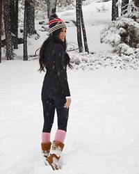 Rachel Vogt - Ugg Boots, Nordstrom Tight, My Blog - Snow Bunny