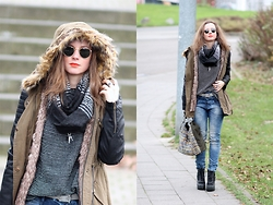 Rimanere Nella Memoria - Ray Ban Sunglasses, Gang Fashion Parka, Gang Fashion Jeans, Bullboxer Shoes - Ray-Ban Round Metal