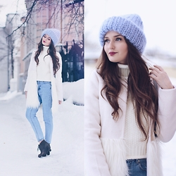 Sasha Shcherbakova - Chicwish Coat, Shein Sweater - White and Blue