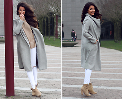 Stephanie Abu-Sbeih - Gray Coat, Zara Western Boots, White Jeans, Jumper - Spring Palette