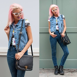 Andrea Chavez - Now Chaleco Jean, Now Jean A La Cintura - Pop denim on denim