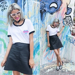 Andrea Chavez - Tienda Wicked Kawaii Tee, Arawys Crocodile Black Skirt - Minimal Kawaii