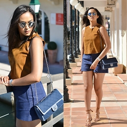 Patricia Do Nascimento - Chanel Denim, Massimo Dutti Nude Sandals - PORT GRIMAUD