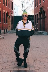 TOBY K - Starter Bruins Windbreaker, Coco And Max Geo Pop Track Pants, Unif Cross Trainers - Boston, Babe