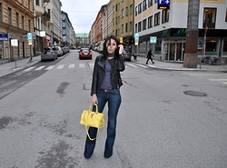 FATI Z - J Brand Jeans, All Saints Jacket, Saint Laurent Yellow Bag - A touch of yellow