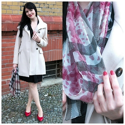 Caliope - United Colors Of Benetton Cream Wool Coat, Tamaris Red Kitten Heels, Burberry Heart Print Scarf - Happy Valentine's