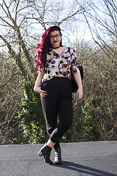 Olivia Lynn - Asos Velvet Choker, Topshop Floral Crop Shirt, Asos Peg Trouser, Office Gunmetal Heel Boot, New Look Leather Backpack, Mac Lipstick Smoked Purple - Chokers & Shirts