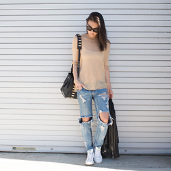 Tienlyn . - La Made Camel Sweater, Leather Jackt, One Teaspoon Ripped Jeans, Stan Smith Sneakers, Luana Italy Niko Bag - RIPPED JEANS
