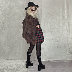 Monika Sekowska - Unif Long Socks With Logo, Tally Weijl Black Chunky Boots, Second Hand Shop Vintage Twin Peaks Style Skirt, Second Hand Shop Brown/Purple Vintage Real Rabbit Fur, H&M Black Fedora Hat, Reworked Mardi Gras Funky Sunglasses - Dark & chic