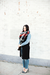 Kimberley Pavao - Black Vest, Mossimo Jeans, Rebecca Minkoff Bag - Blanket Scarf