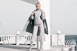Krist Elle - Wholesale 7 Knitted Suit, Gray Coat - Gray knitted suit