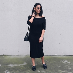 Ravza Ozalp - Mango Shoes, Michael Kors Bag, Pull & Bear Dress - B l a c k  d r e s s
