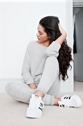 Elvira Vedelago - Gap Grey Knitted Jumper, Primark Grey Joggers, Adidas Original Superstars - My Adidas and Me