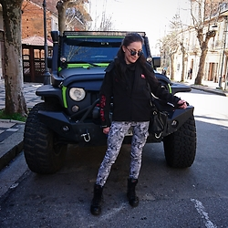 Viktoria Bivol - Nagnum Boots, Why Jacket, Terranuova Trousers, Ray Ban Sun Glasses - Montain style!