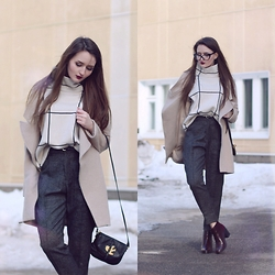 Sasha Shcherbakova - Chicwish Sweater, Sheinside Trousers - Beige