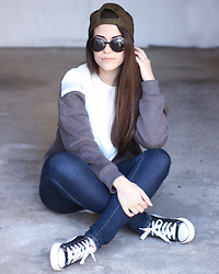 Maria Almeida - Sheinside Sweater, Newchic Sneakers - Cool Kid