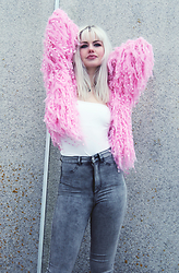 Sotzie Q - Sammydress Pink Fluffy Cardigan, H&M Gray Hight Waist Jeans - Idle