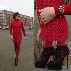 Francesca Di Parma - Kyra&Co Red Dress, Michael Kors Red Watch, Wolford Red String Bodysuit, Wolford Red Tights, Giuseppe Zanotti Black Laser Cut Booties, Prada Sun Glasses - New York Fashion Week here I come!