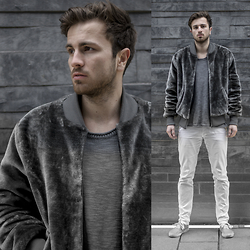 Tim Unterlauf - The New County Fur Bomber, Nudie Jeans Pullover, Doa Jeans, Vans Shoes - PIIIMP