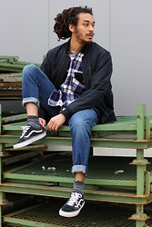 Philip Antony - The Black Markt Shirt, Vans Shoes, Levi's® Jeans, Vans Jacket, Puma Socks - Long Time