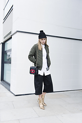 Karolina Gespucci - Monki Hat, Missguided Jacket, Zara Heels - Bomber Jacket!