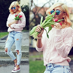 Ana Maria Oprea - Sheinside Pinky Knit, Pull & Bear Boyfriend Jeans, Chiara Ferragni Cf - Where's my promised spring?///anamariaoprea.com