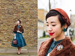 Nora Finds - Vintage Cape, Erstwilder Busy Bee Brooch, Jonathan Logan Vintage 1950s - Bee A Gem