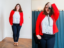Ninaah Bulles - Castaluna Red Blazer, Castaluna Crop Top, Castaluna Slim, Castaluna Sandales - Romantic working girl