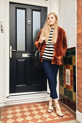 Carla V - Zara Faux Fur Coat, H&M Scuba Jumper, Next Jeans, Topshop Sandals, Mansur Gavriel Bag - Monday fun day