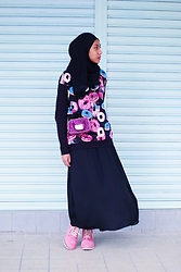 Liyana Aris - H&M Printed Top, Guess Sling Bag, Timberland Hot Pink Boots - To Do Or To Donut