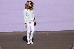 Amber Wilkerson - Gap Jean Jacket, Ag Denim, Steve Madden Loafers, Ray Ban Sunglasses - All White and a Pop of Denim