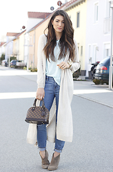 Annessa Smith - Mango Long Cardigan, J. Crew Jeans, Steve Madden Booties, Bellaluxx Tank Top, Louis Vuitton Bag - Long Cardi Party