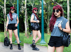 Camilla Marques - Sheinside Boots, H&M Shirt, Zara Bag - Slayer, Hot Pants & Red Hair