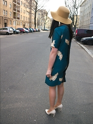 Caliope - Noa Feather Dress, Dorothy Perkins High Heel Pumps, Blonde Accessories Camel Fedora - Looking For Spring
