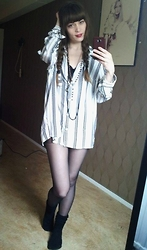 Natalie Persson - Divided Button Up Shirt, H&M Overknee Socks - Big city, here I come..