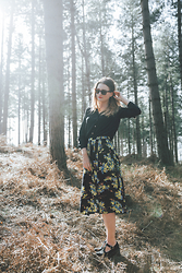 Laura Potter - George Shirt, Topshop Skirt, Rayban Glasses - THE WILD WOLVES