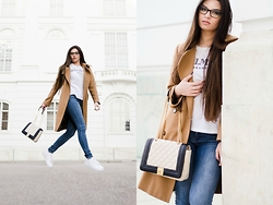 Paula - Nike White Sneakers, Mango Blue Jeans, H&M T Shirt - How to sneaker
