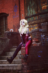 Joan Wolfie - Annabelle's Wig's Wig, Funidelia Leggings - Harley Quinn is a rebel girl