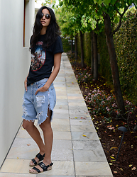 Daftbird LA - Bailey Nelson Sunglasses, Vintage Concert Tee, Wittner Sandals, One Teaspoon Frankie Destroyed Boyfriend Denim Short - Vintage Vibe