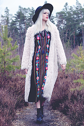Sotzie Q - Sammydress Maxi Dress With Embroidery, H&M Faux Fur Cardigan - Hold me down, but don't take my fire