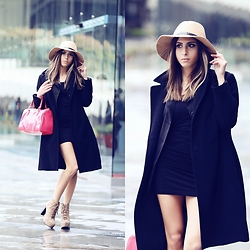 Cansın Ekşi - Jeffrey Campbell Shoes Boots, Asos Ultra Mini Dress, Mango Striped Blazer, Bershka Fedora Hat, Mango Pink Bag - Istanbul Fashion Week Black Outfit