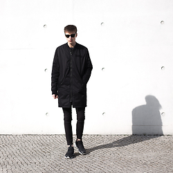 Paweł Lewandowski - H&M Long Bomber Jacket, Reebok Fury Lite, Ray Ban Wayfarer - DIGY - Tragedy ft. KIRSCH