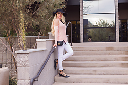 Justine Searle - Shop Priceless Wanderer Floppy Hat, Shop Priceless All Eyes On You Knit Top Blush, Shop Priceless Clemence Purse, Shop Priceless Jungle Babe Sunglasses Gold, Shop Priceless Try To Skinny Jeans White, Shop Priceless On Point Ballet Flats - Pastel Palette for Spring!
