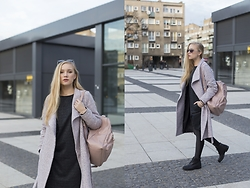 Ewa Michalik - Top Secret Dress, Talia Coat, Prima Moda Shoes, Accessorize Backpack - Dusty pink