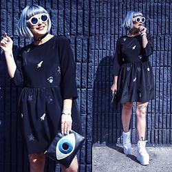 Kayla McC - Tallulahs Threads Embroidered Space Dress, Poppy Lissiman Evil Eye Clutch, Komono Estelle Iridescent Watch, Freyrs Round Rose Sunglasses, Yru Platform Sneaker, Gypsy Warrior O Ring Choker - Space Jam