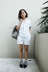 Mamolism M. - New Balance Sneakers, Papers Playsuit, Fjallraven Kanken Backpack - Where's my ship?